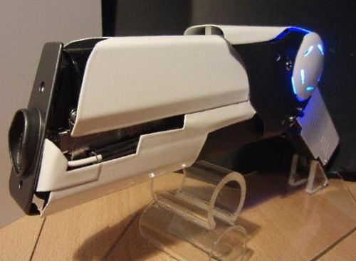 Как сделать лазер своими руками из бумаги